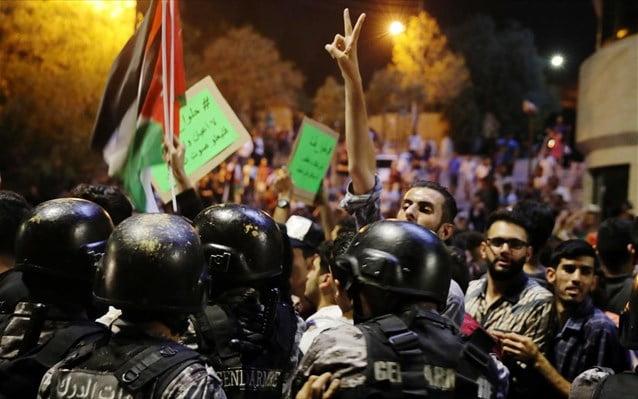 Ιορδανία: Οικονομική βοήθεια από αραβικά κράτη, Ε.Ε. εν μέσω σφοδρών διαδηλώσεων για τα μέτρα λιτότητας