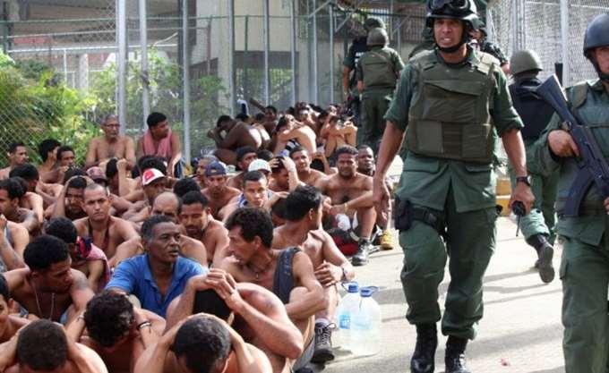Εγκαταλείπουν μαζικά τη Βενεζουέλα οι πολίτες της