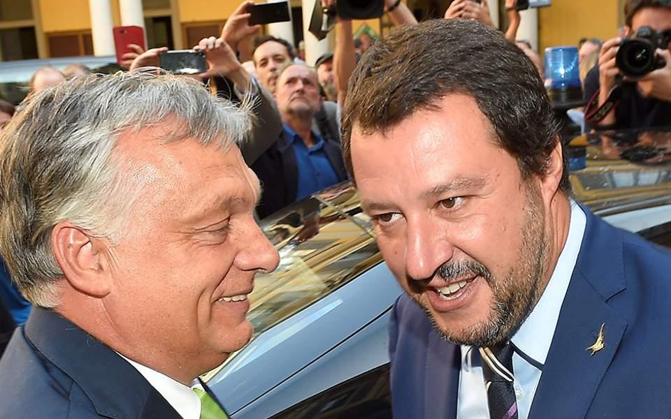 Η Ιταλία απειλεί να αποσυρθεί από την ναυτική άσκηση ελέγχου διακίνησης μεταναστών «Σοφία»