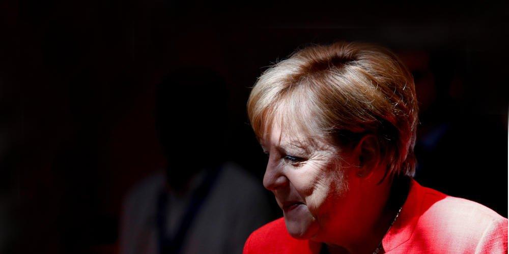 FT: Να εκδοθούν ευρωομόλογα χωρίς τις ευλογίες του Βερολίνου