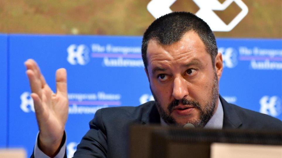 Ενώ η Ελλάδα συνεχίζει να στρουθοκαμηλίζει η Ιταλία εξέδωσε διάταγμα που διευκολύνει τις απελάσεις μεταναστών