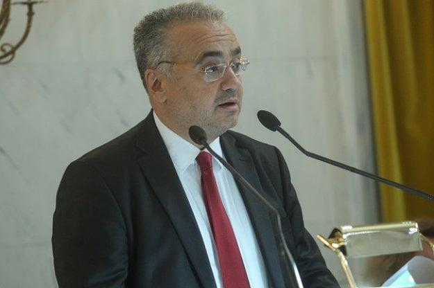 Δ. Βερβεσός: Αν δεν μπορούν να προστατέψουν τα πανεπιστήμια να παραιτηθούν οι αρμόδιοι υπουργοί