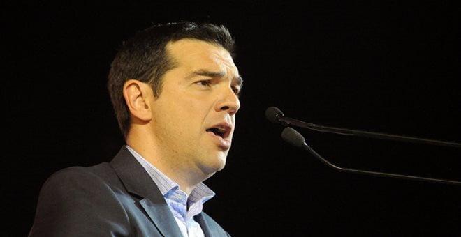 Όχι απλά πολιτικός απατεώνας αλλά εθνικός υπονομευτής – Τσίπρας: «Εμείς θα βαράμε το νταούλι και αυτοί (οι αγορές) θα χορεύουνε…»
