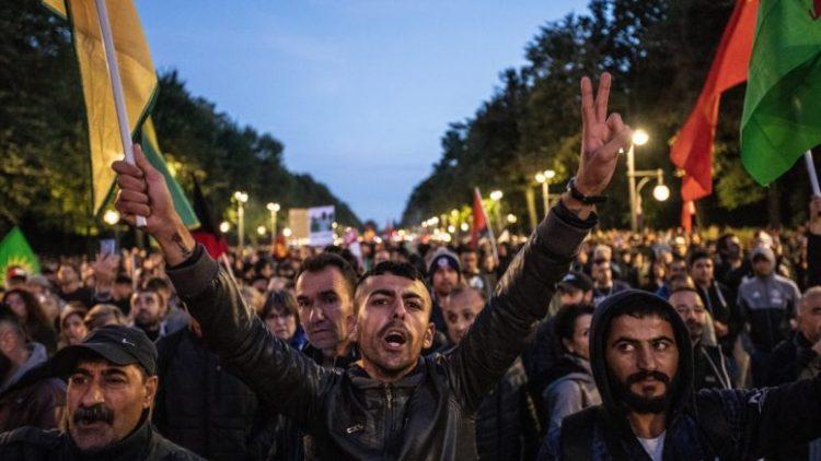 Περισσότεροι από 70 Κούρδοι πολιτικοί και ακτιβιστές καταδικάστηκαν σε 10 χρόνια φυλάκιση από το Τουρκικό δικαστήριο