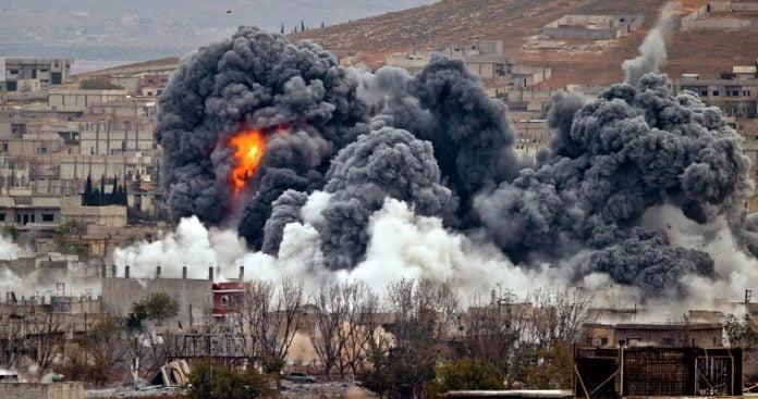 Συρία: Δεκάδες νεκροί από αεροπορικά πλήγματα