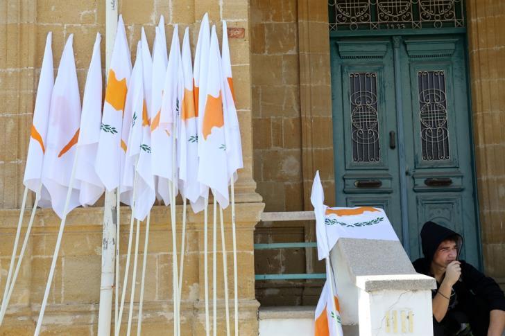 Ρε παιδιά, τι γίνεται, ως Κύπρος έχουμε προσφορά από το ΝΑΤΟ για εγγυήσεις;