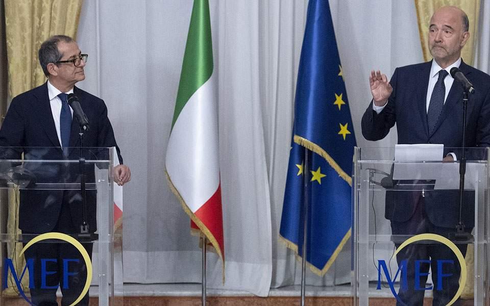 «Αμοιβαίο σεβασμό και όχι ειρωνείες» ζητούν οι Βρυξέλλες από τη Ρώμη