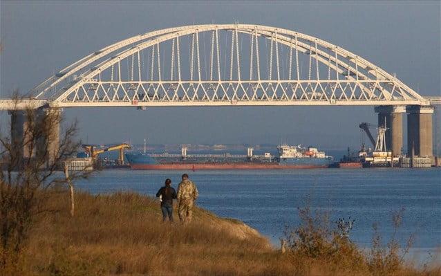 Η Ρωσία αναπτύσσει πυραύλους S-400 στην Κριμαία