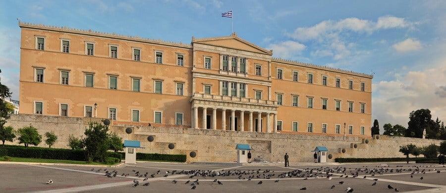Δύο κοινοβουλευτικά πραξικοπήματα σε Αθήνα και Σκόπια για να περάσουν ο Πρέσπες!