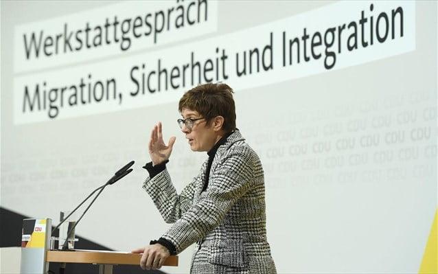 Γερμανία: Το CDU κάνει στροφή 180 μοιρών στο μεταναστευτικό