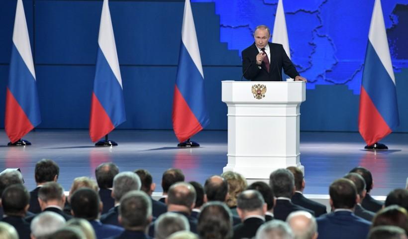 Ο Πούτιν προειδοποιεί: Θα στοχεύσουμε τις ΗΠΑ με υπερηχητικούς πυραύλους αν αναπτύξουν πυραύλους στην Ευρώπη