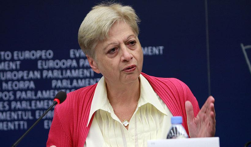 Η Ελένη Θεοχάρους καλεί τον Νίκο Αναστασιάδη να αποκαλύψει τι υπέγραψε για το Κυπριακό