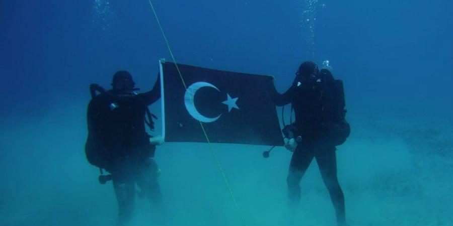 Αντίδραση Ελλάδας για φωτογραφία Τούρκων κομάντο στη Σούδα