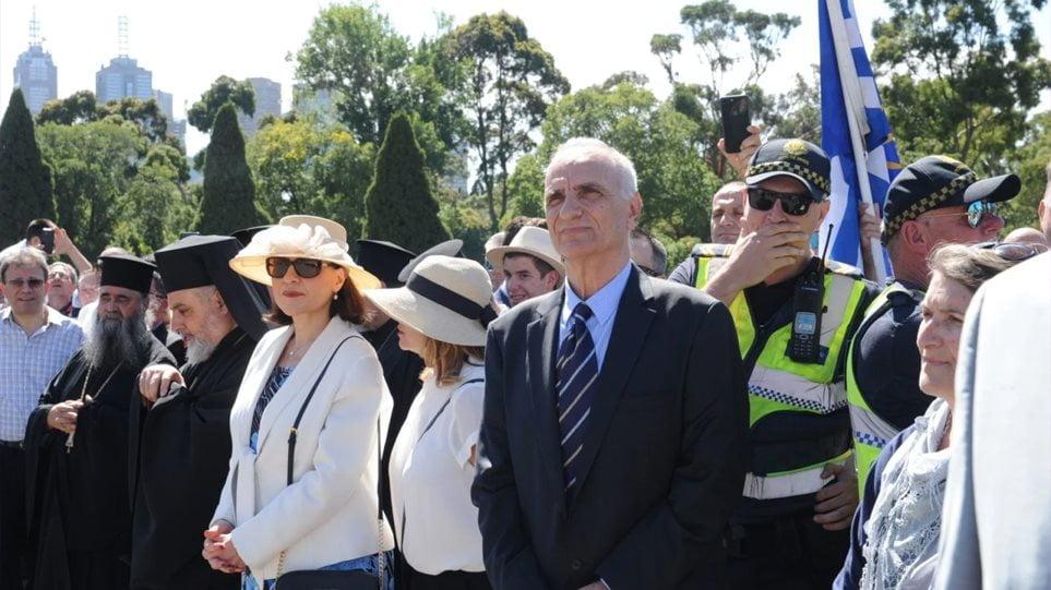 Αποδοκίμασαν τον Βαρεμένο στην Αυστραλία: Του φώναξαν «προδότες» και «Ελλάς, Ελλάς, Μακεδονία»