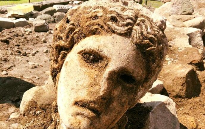 Ανακαλύφθηκε άγαλμα αρχαίου Έλληνα θεού στη Ρώμη!