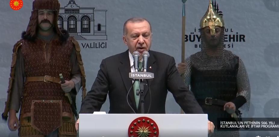 Πραγματικά στο όρια του παραληρήματος – Ερντογάν για Άλωση: Η «Μεγάλη Ιδέα» καλά κρατεί