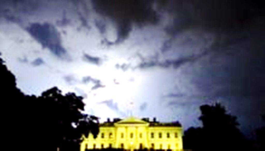 Θερινή Παράκρουση Πλήττει την Ουάσιγκτον. Ιρανοί, Ρώσοι και Βρετανοί Προσέξτε!