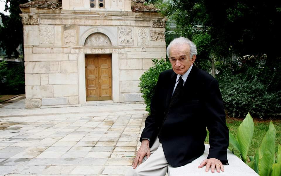 Εμείς οι Έλληνες οφείλουμε πολλά σ' αυτόν τον άνθρωπο, τον αείμνηστο Σπύρο Βρυώνη