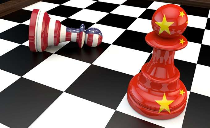 """""""Δεν θα υποχωρήσουμε στον εμπορικό πόλεμο με τις ΗΠΑ"""", διαμηνύει το Πεκίνο"""