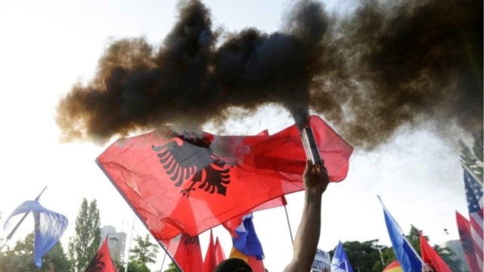 Αλβανία: «Πόλεμος» δηλώσεων μεταξύ Μέτα και Ράμα – «Δεν πρόκειται να παραιτηθώ» δηλώνει ο Πρόεδρος