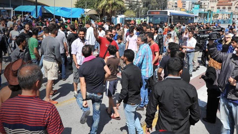 Χίος: Επεισόδια με μετανάστες στον καταυλισμό της ΒΙΑΛ (βίντεο)