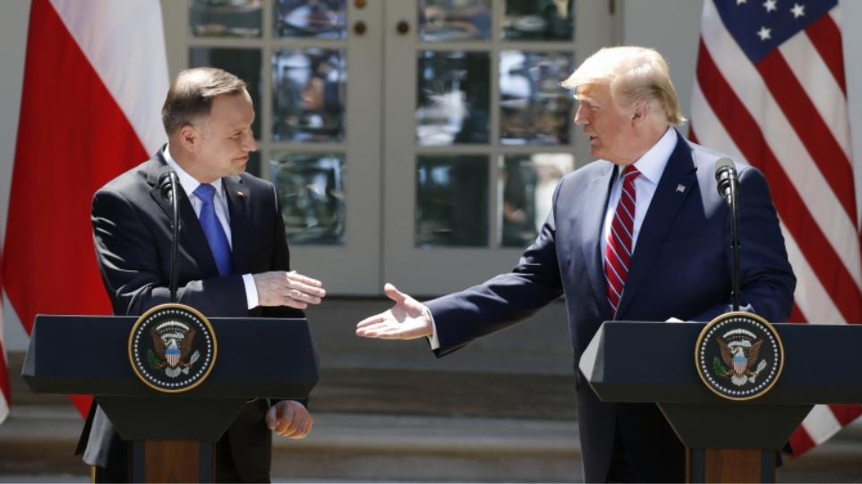Ψυχρός πόλεμος: Γιατί ο Τραμπ στέλνει άλλους 2.000 στρατιώτες στην Πολωνία;