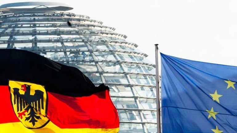 Γερμανικό δάνειο στην Ελλάδα το 2010 απέφερε έσοδα 443 εκατ. ευρώ από τους τόκους