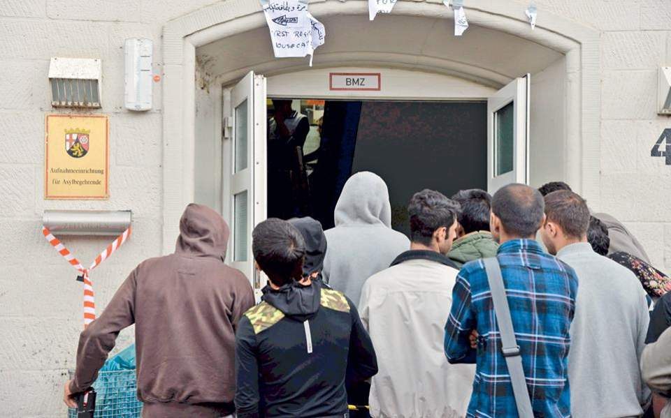 ΟΗΕ: Στα 272 εκατομμύρια ανέρχονται οι μετανάστες παγκοσμίως