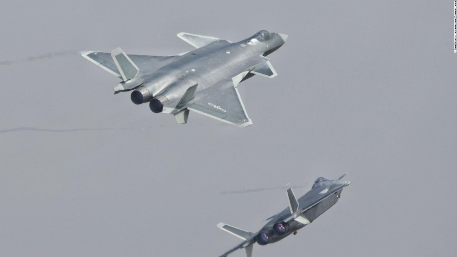 «Γιατί η Κίνα θεωρεί ότι το J-20 είναι καλύτερο από το F-35»