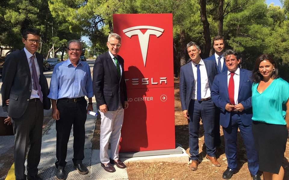 Η Tesla χτυπά την πόρτα της Ελλάδας για mega επένδυση