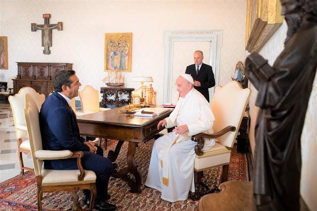 Ὁ Πάπας συνεχάρη τὸν Τσίπρα γιὰ «Συνθήκη Πρεσπῶν» καὶ προσφυγικὸ