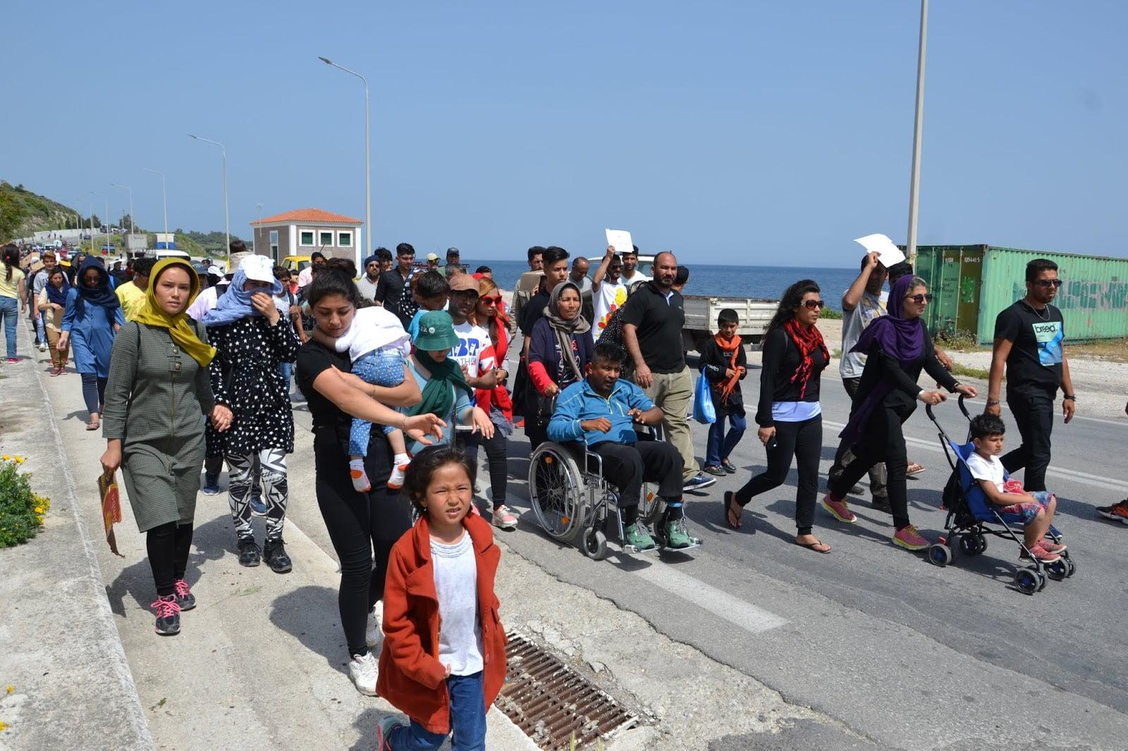 Συρία: Τουλάχιστον 25.000 άμαχοι εγκατέλειψαν την Ιντλίμπ για Τουρκία