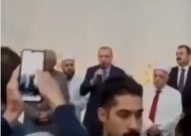 Ερντογάν: Ο πλάστης μου προστάζει να είμαστε βίαιοι απέναντι στους άπιστους – (Μήπως λέει τα ίδια και σε όσους μουσουλμάνους στέλνει στην Ελλάδα;)