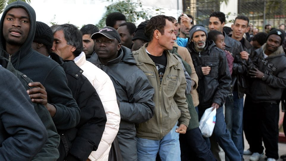 Με τόξο, βέλη και τσεκούρι έκαναν βόλτες αλλοδαποί στην Μυτιλήνη