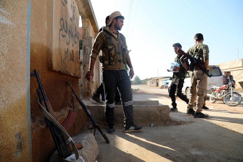 Τούρκοι στρατιώτες, βασανίζουν και βιάζουν φτωχούς Κούρδους που κάνουν παρεμπόριο