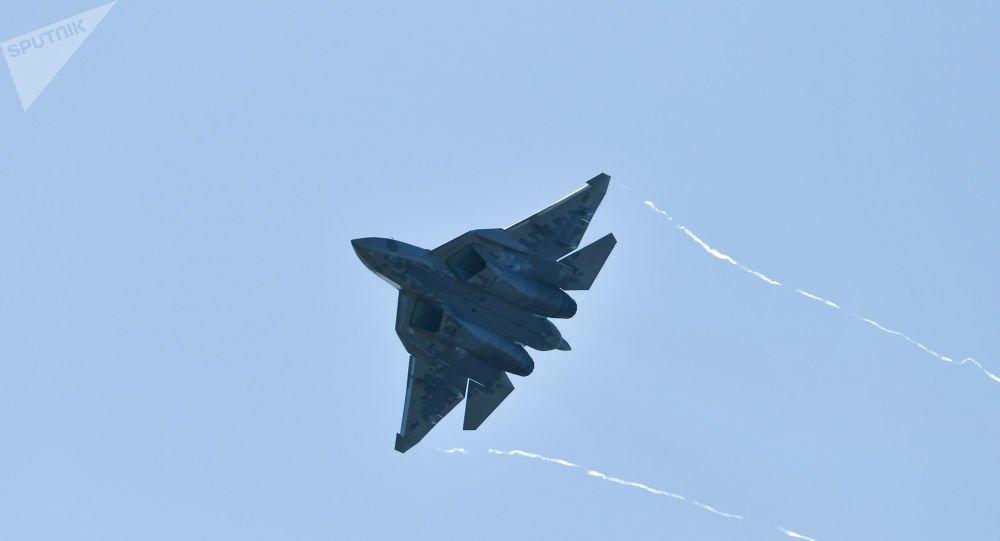 Έτσι κατασκευάζονται τα αόρατα ρωσικά «γεράκια» 5ης γενιάς Su-57 – Βίντεο