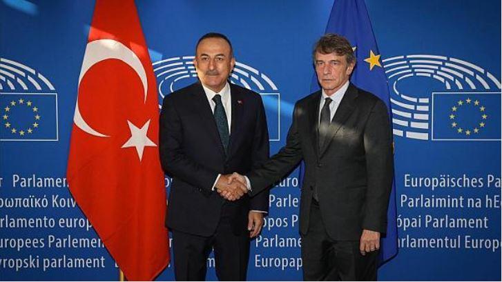 Άλλη μία ευρωπαϊκή ξευτίλα εις βάρος του Ελληνισμού! Πολιτικό φάουλ Σασόλι για κυρώσεις κατά Τουρκίας