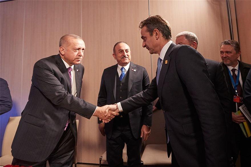 Φήμες για καθυστέρηση στο τετ α τετ Μητσοτάκη-Ερντογάν λόγω συνάντησης του Τούρκου προέδρου με τον Τραμπ