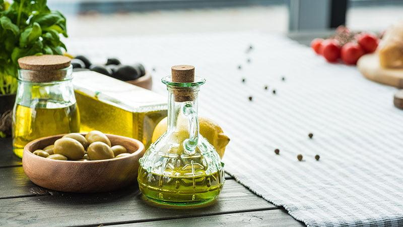 Ελαιόλαδο: Το αντιοξειδωτικό υπερτρόφιμο που μειώνει τη χοληστερόλη και ρίχνει το σάκχαρο