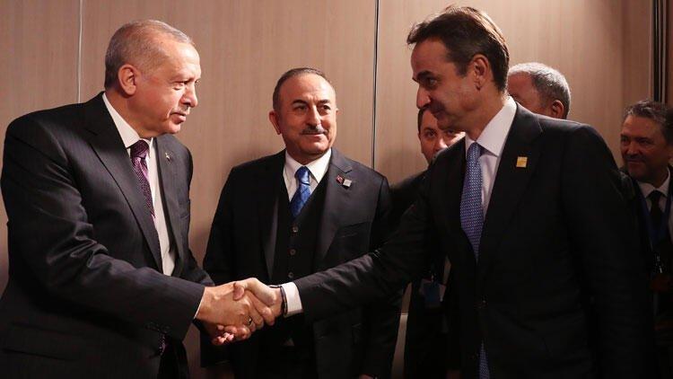 Χαμογελαστοί εξήλθαν Μητσοτάκης-Ερντογάν – Η στάση του Έλληνα πρωθυπουργού τα λέει όλα (vid)