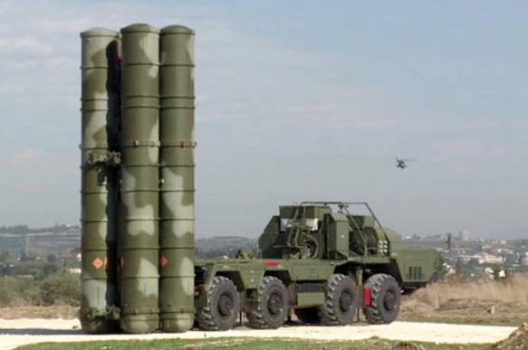 Οι ΗΠΑ φέρονται να «έπιασαν» συχνότητες των S-400 στη Συρία, αλλά η Ρωσία αλλάζει σε S-500
