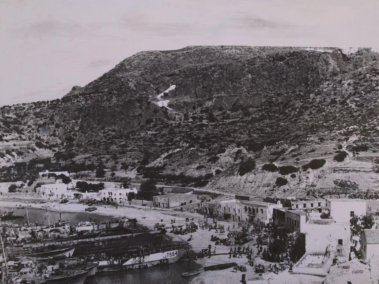 Απόβαση στα Κύθηρα: H άγνωστη ιστορία της μοναδικής φωτογραφίας της Συμμαχικής απόβασης το '44
