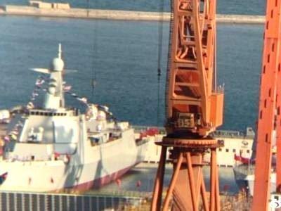 Το κινέζικό Πολεμικό Ναυτικό κατέρριψε το παγκόσμιο ρεκόρ, καθελκύοντας 23 νέα πολεμικά πλοία σε ένα χρόνο!