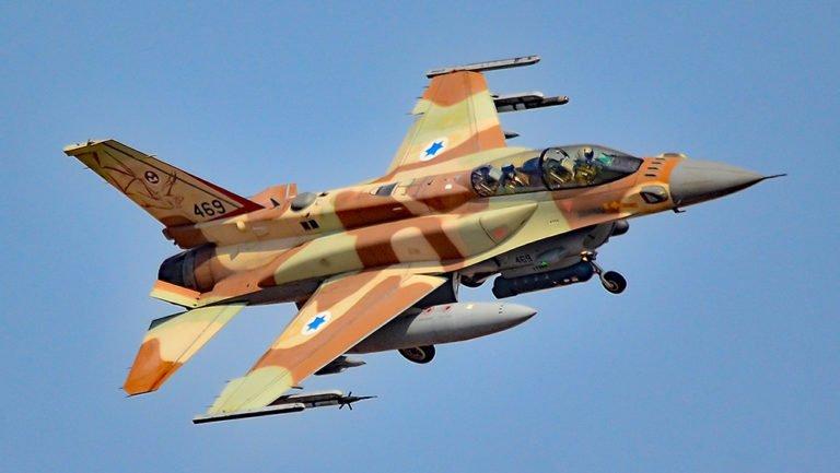 Σφοδροί ισραηλινοί βομβαρδισμοί εναντίον ιρανικών στόχων στην Συρία (φωτό)