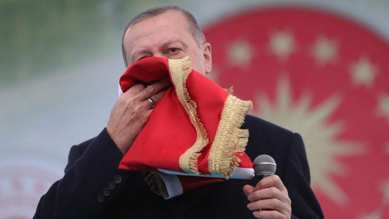 Ο Τούρκος ηγέτης παρακινεί το κοινό του σε Ισλαμικό Ιερό Πόλεμο με την Ευρώπη