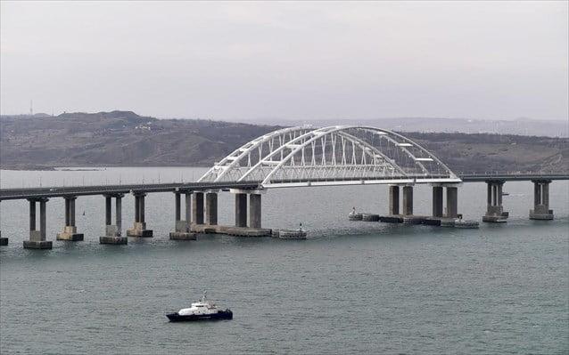 Νέος… Κριμαϊκός πόλεμος! Ο Πούτιν εγκαινίασε τη σιδηροδρομική σύνδεση με τη Ρωσία – Έξαλλη η Ε.Ε.