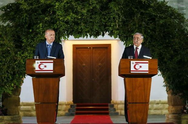 Νέο κυπριακό πρόβλημα: Η «Ρομφαία του Ισλάμ» και η καρέκλα με το φέσι