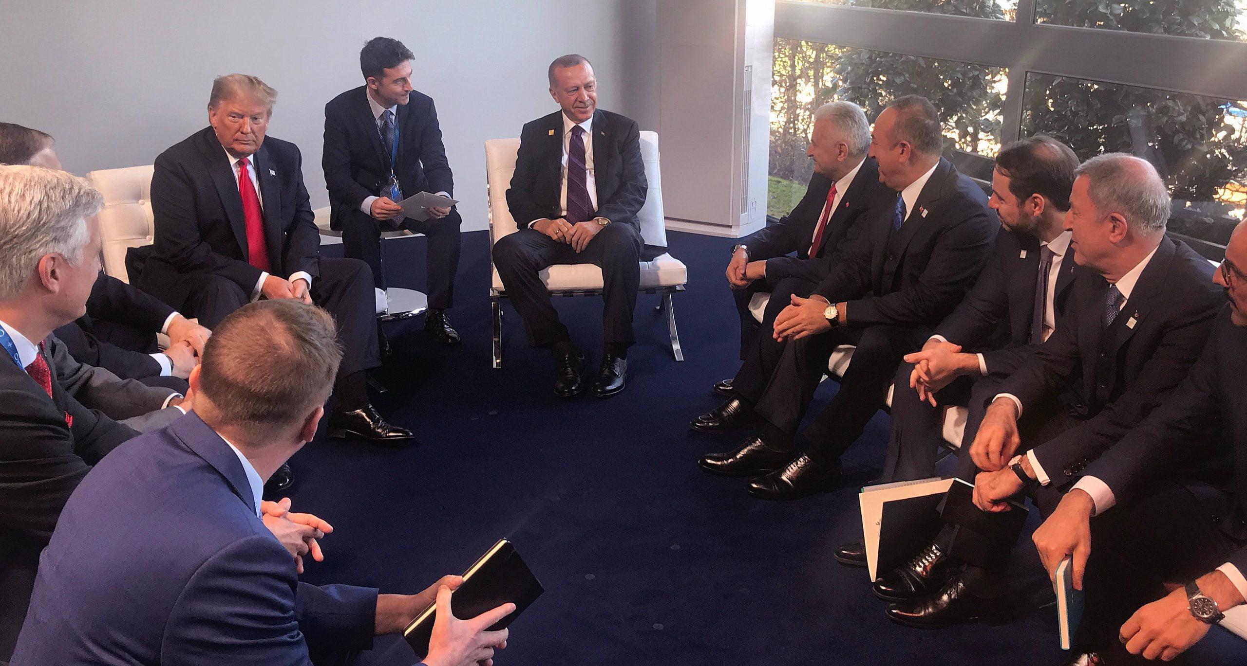 Συνάντηση Τραμπ – Ερντογάν στο περιθώριο της Συνόδου του ΝΑΤΟ – Δεν έγιναν δηλώσεις