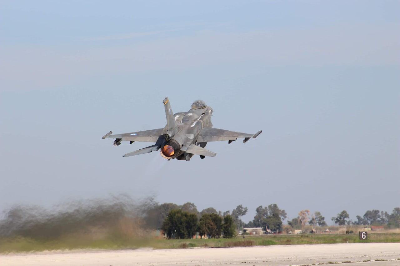 «Κλειδωμένοι» στα ελληνικά όπλα πετάνε οι Τούρκοι πιλότοι – H προκλητική υπέρπτηση στις Οινούσσες με στόχο τον Αρχηγό ΓΕΣ – «Ψάχνονται» για ατύχημα