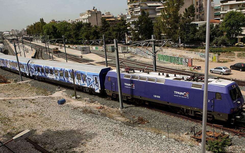 Τα γρήγορα τρένα βάζουν δύσκολα σε αεροπλάνα και ΚΤΕΛ